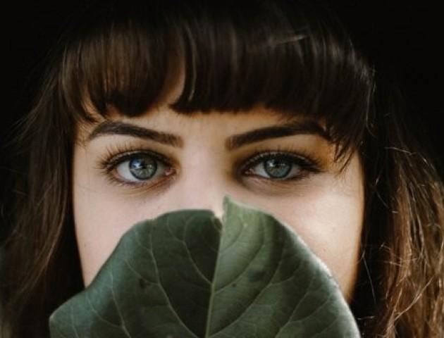 4 поради, як позбутися темних кіл під очима
