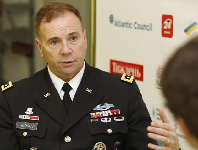 Командувач сил США в Європі: На Донбасі дипломати без військових – як оркестр без інструментів
