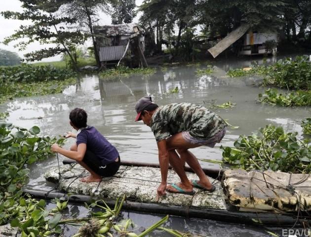 Кількість жертв через тропічний шторм на Філіппінах зростає. ВІДЕО