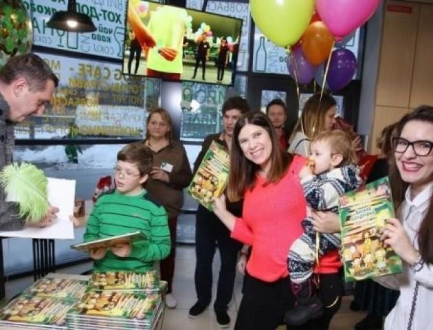 Жертвуючи 5 грн, клієнти WOG рятують тисячі дітей