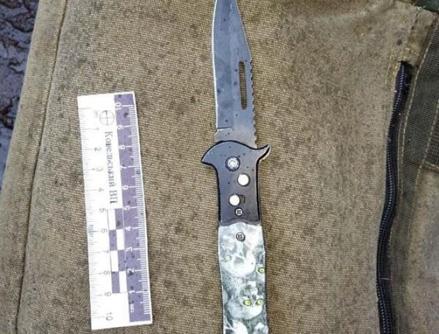 На Волині зловмисник ножем погрожував неповнолітній дівчині