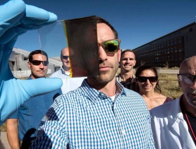 Вчені винайшли скло, яке виробляє електроенергію