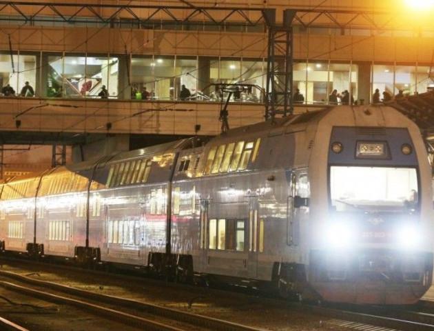 «Укрзалізниця» назвала маршрути поїздів, які скасовуються з 10 грудня