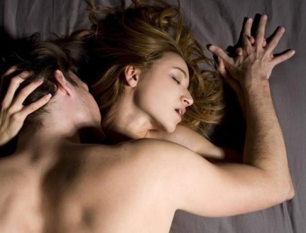 Вчені дізналися, як секс впливає на сон