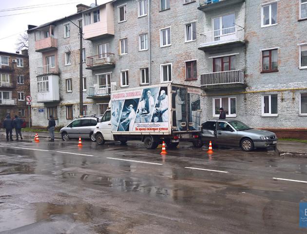На Волині вантажівка з ковбасою спричинила ДТП. ФОТО