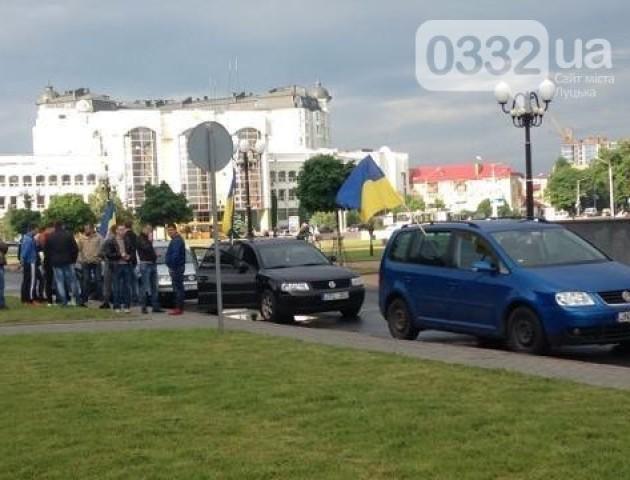 Водії авто на польських та литовських номерах протестують під стінами Волинської ОДА