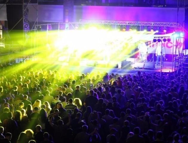 У Луцьку з грандіозним концертом відгримів Ляпис 98