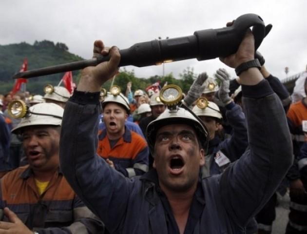 Страйк у Нововолинську: гірники «дев'ятки» відмовилися спускатися в шахту