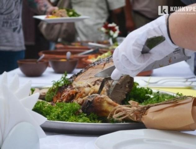Луцький ресторан «Корона Вітовта» презентував кулінарний проект