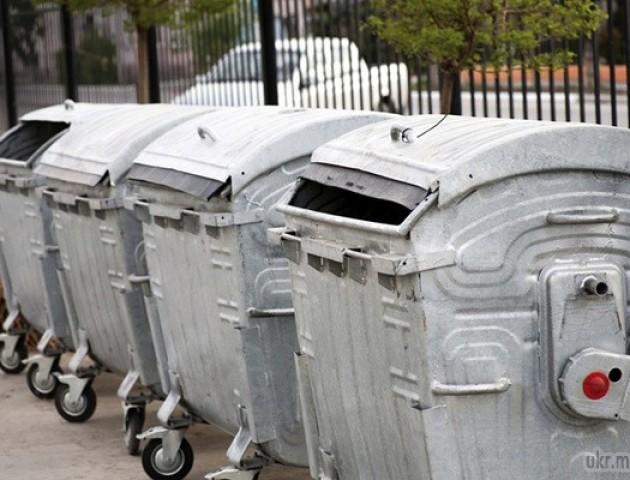 Луцькі патрульні знайшли згубу у ... смітнику