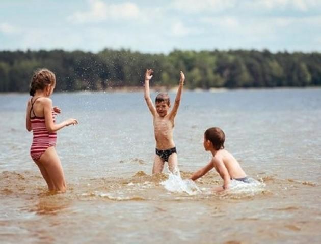 Повідомили, які волинські пляжі придатні для купання