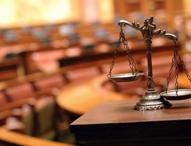 На Волині судитимуть шахрая, який ошукав суддю райсуду на 30 тисяч доларів