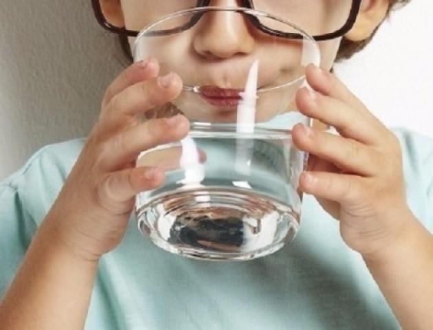 На Волині у двох дитячих таборах виявили неякісну питну воду