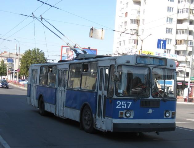 Завтра у Луцьку пів дня не будуть їздити тролейбуси