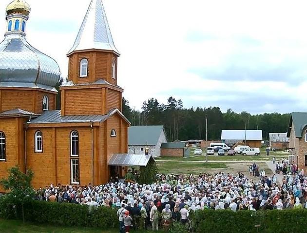 Показали волинський монастир з висоти пташиного польоту