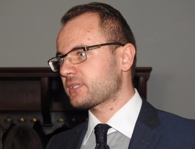 Активіста обурили порушення у призначенні позачергової сесії Луцькради