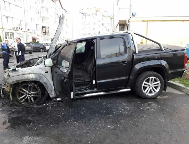 """Нардеп Лапін прокоментував підпал своєї машини:"""" От така то вона - """"Укропівська любов"""""""
