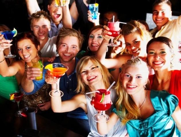 Покази мод та нічні плавання: лучан запрошують на італійську пляжну вечірку