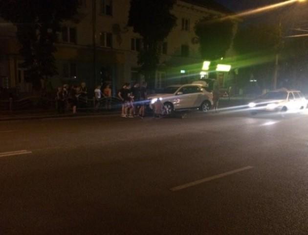 Вечірня ДТП у Луцьку: постраждав молодий чоловік