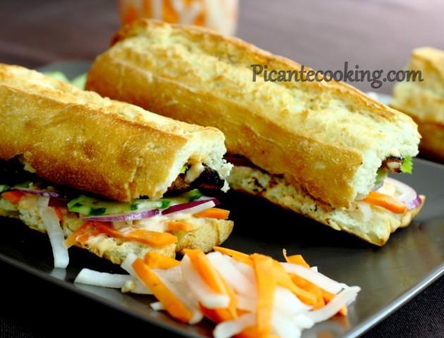 Бан Мі Га - в'єтнамський бутерброд з куркою (Bánh Mì Gà)
