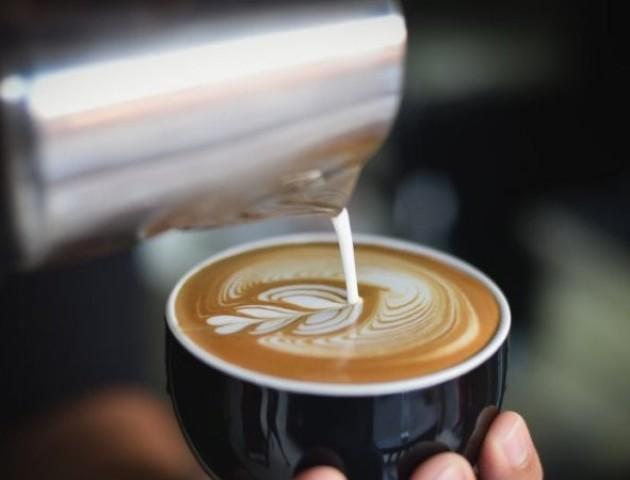 Лайфхак: як приготувати смачне латте без кавової машини