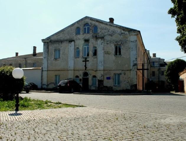 Культура чи користь: у Луцьку пам'ятку архітектури перероблять у хостел