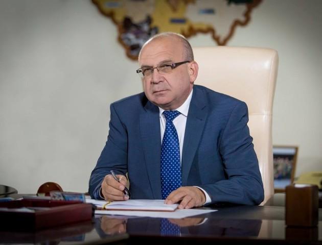 «На головному святі держави не місце політичним прапорам», - Володимир Гунчик
