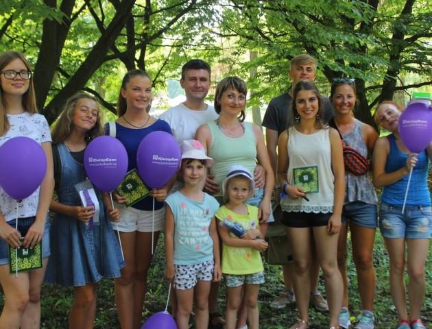 Ігри, вікторина та подарунки: ЮніорБанк фестивалив на «Family Weekend»