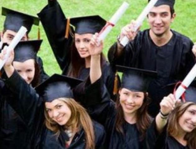 Українські студенти заплатять за навчання смартфонами