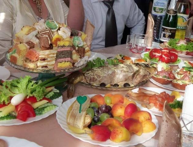 Медики підтвердили сальмонельоз у гостей волинського весілля