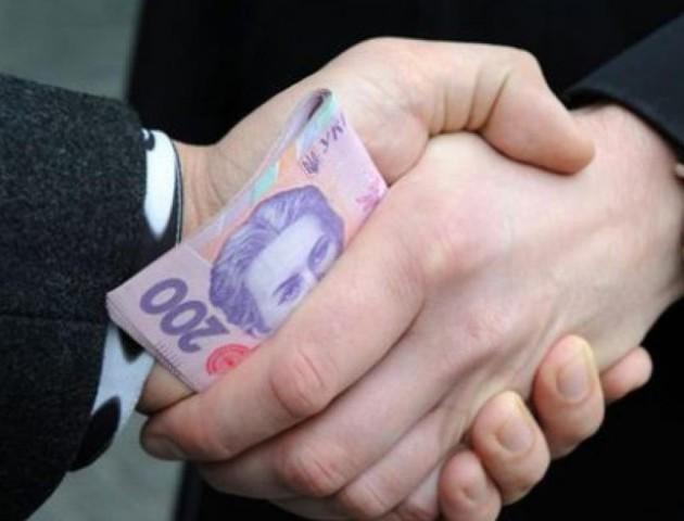 Кількість викритих митників-корупціонерів збільшилась до 17 осіб