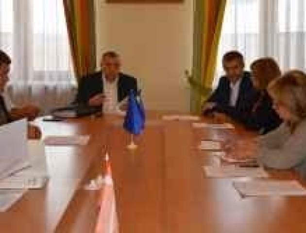 Перевиконання обласного бюджету повинно бути з економіки, а не депозитів, - депутати обласної ради