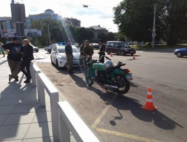 У Луцьку мотоцикліст збив 52-річного пішохода