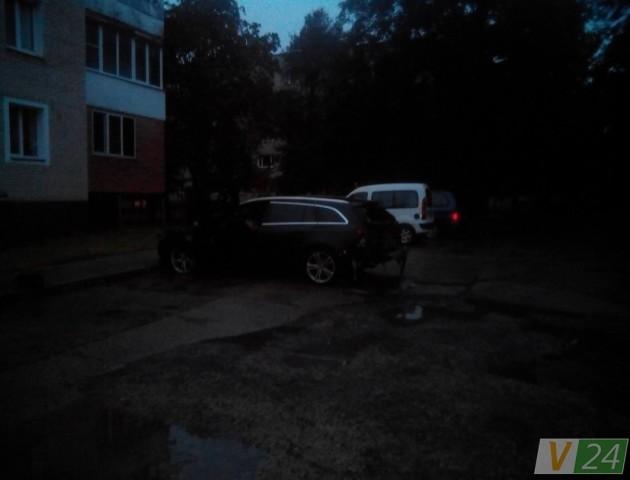 З'явилися подробиці підпалу авто у Луцьку