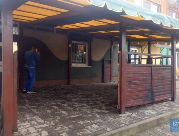 У Нововолинську невідомі підпалили альтанку кафе