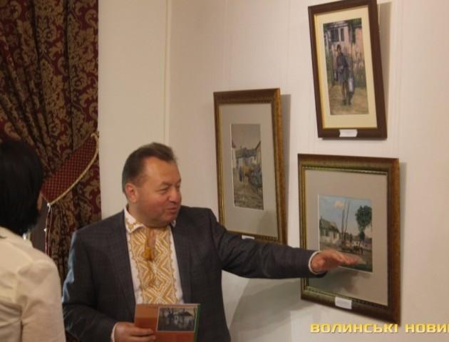 На полотнах митця показали Луцьк минулого століття. ФОТО