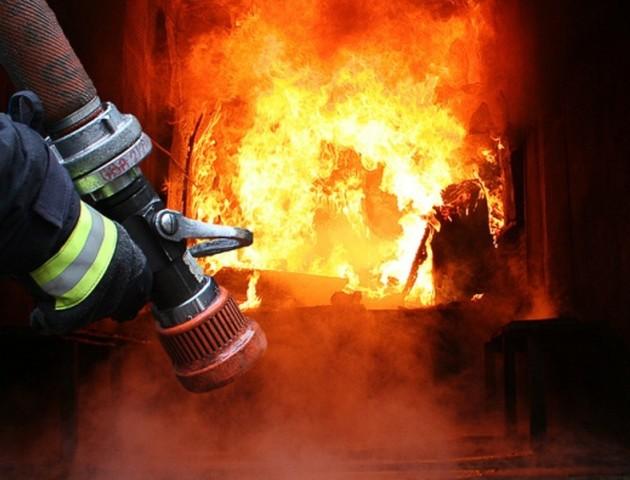 За вихідні волинські рятувальники 8 разів гасили пожежі