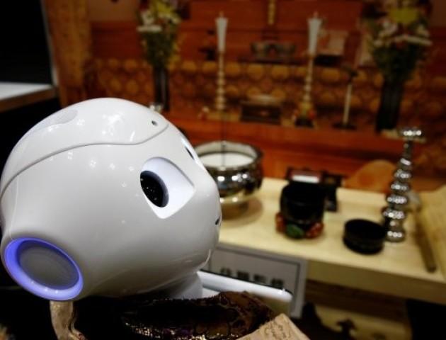 У Японії створили робота-священика, який хоронитиме людей: курйозне відео