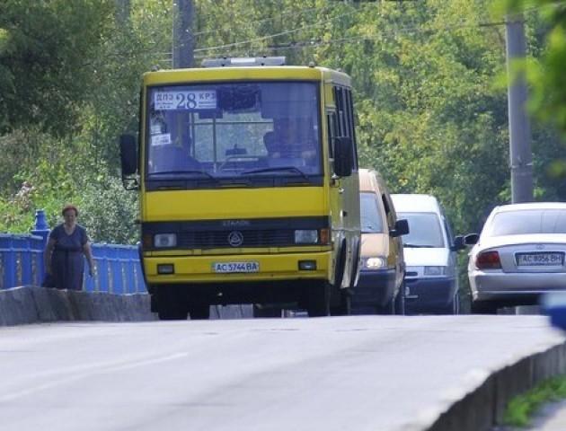 До водія котрий не зупинився перед жінкою з візком вжито заходів