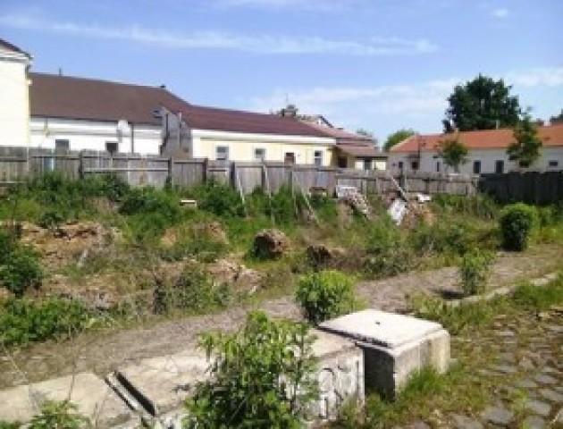 Скандальне будівництво у старій частині Луцька перевірять