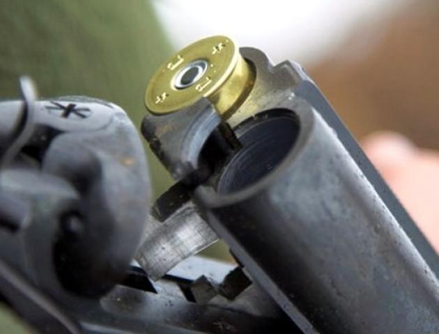 П'ять рушниць, 50 набоїв та 2 кг пороху - знахідка волинських правоохоронців