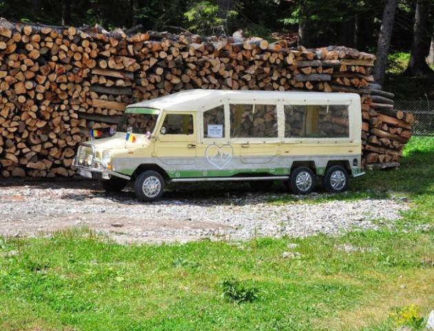 Класичну «Волинянку» перетворили на шестиколісний лімузин-позашляховик