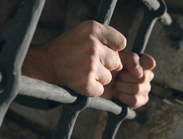 Злочинець із Нововолинська може отримати три роки за погрозу вбити прокурора. ВІДЕО