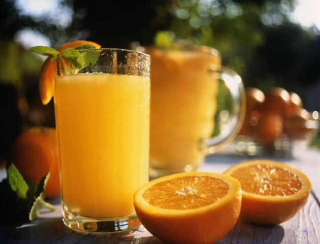 Вчені пояснили, чи можна пити вранці апельсиновий сік