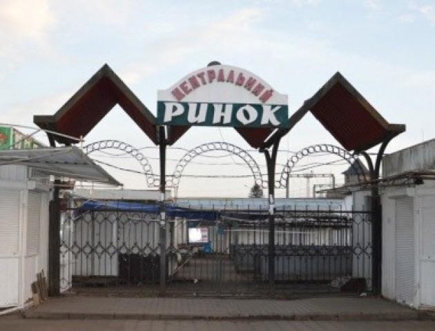 У Луцьку підприємцям, які торгують на Старому ринку, підвищили орендну плату. ВІДЕО