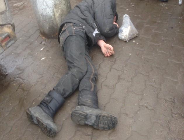 У Луцьку поблизу Центрального ринку виявили двох пияків