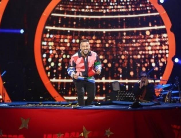 Співак з Луцька виконав сальто на батуті в ефірі популярного телешоу. ВІДЕО