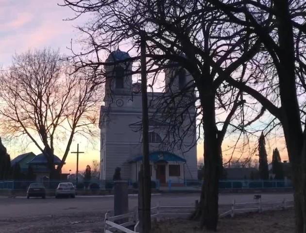 Краса храму на Волині у дні перших морозів. ВІДЕО