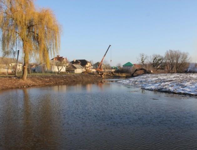 Як у Володимирі-Волинському відновлюють русло річки. ФОТО. ВІДЕО