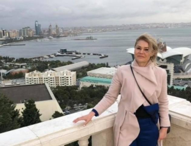 Екс-депутатка з Луцька поділилася світлинами відпочинку у Баку